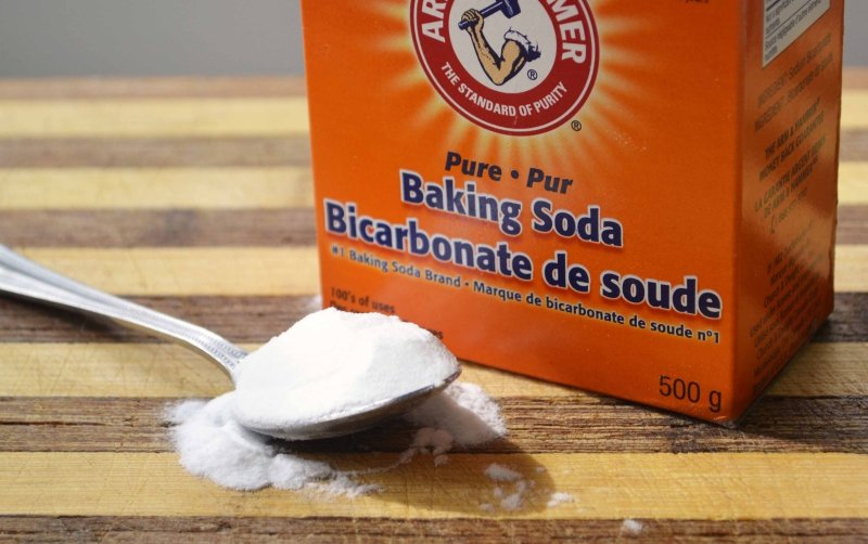 Cleaning with Baking Soda and Vinegar